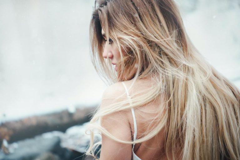 Co powinna zawierać dobra odzywka do włosów?