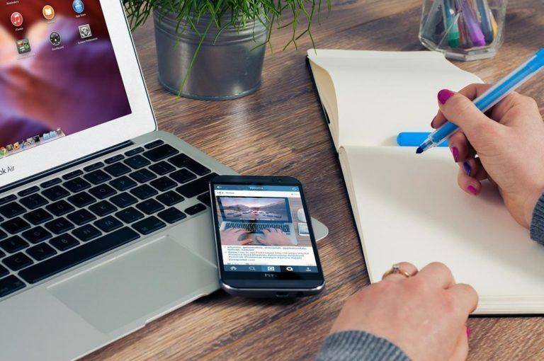Pomoc i porady dotyczące iPada, z których każdy może skorzystać